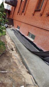 Наружная и внутренняя гидроизоляция подвала жилого дома с устройством дренажной системы